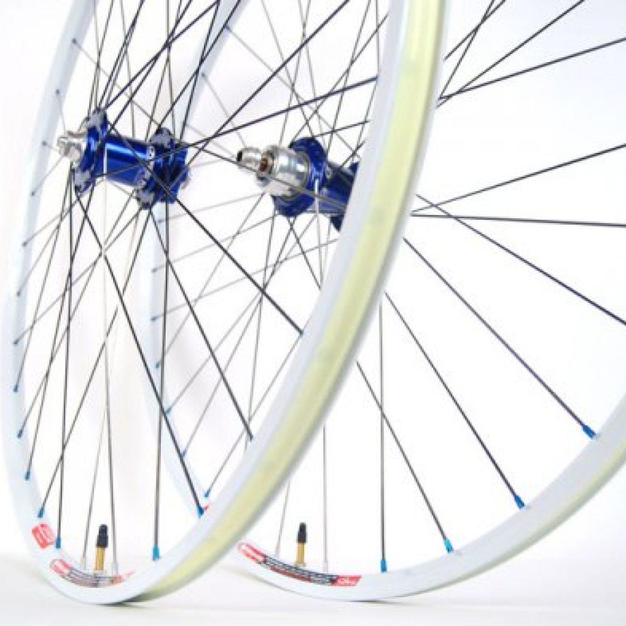 The Great Bike Debate 26 Inch Wheels Vs 29er Maya Cycle
